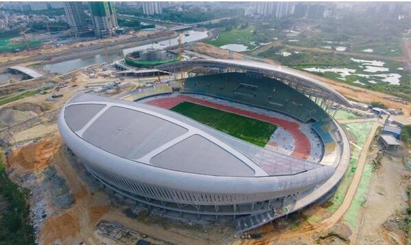 万宁体育馆主体结构正式封顶 预计年底投入试运营